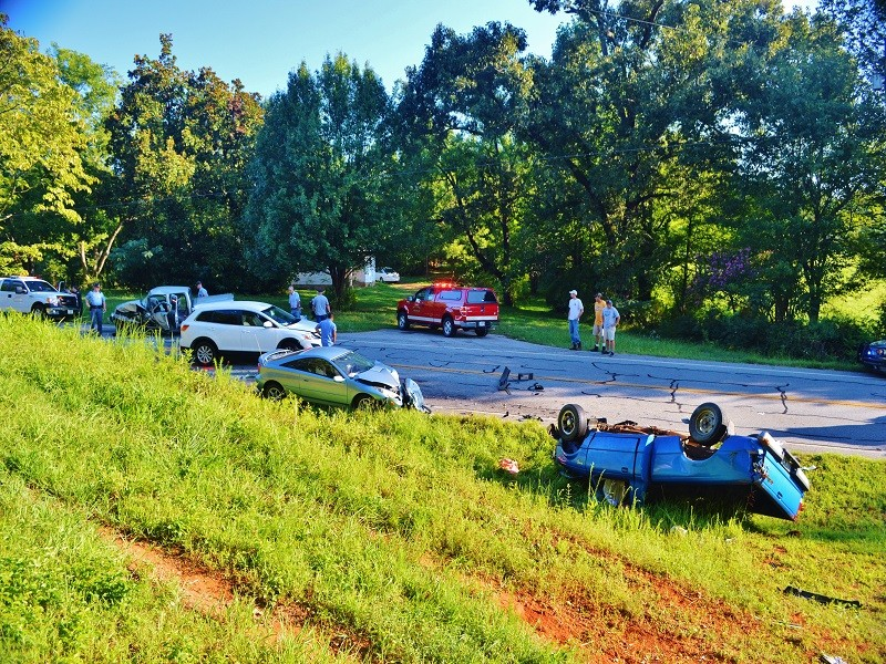 Teen To Face Charges In Multi-Vehicle Accident – WRWH