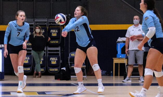 TMU Volleyball wins third straight at Point