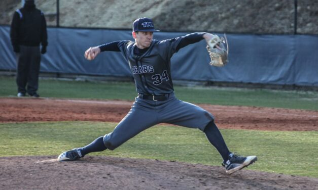 TMU Baseball splits final day of Grizzly Open